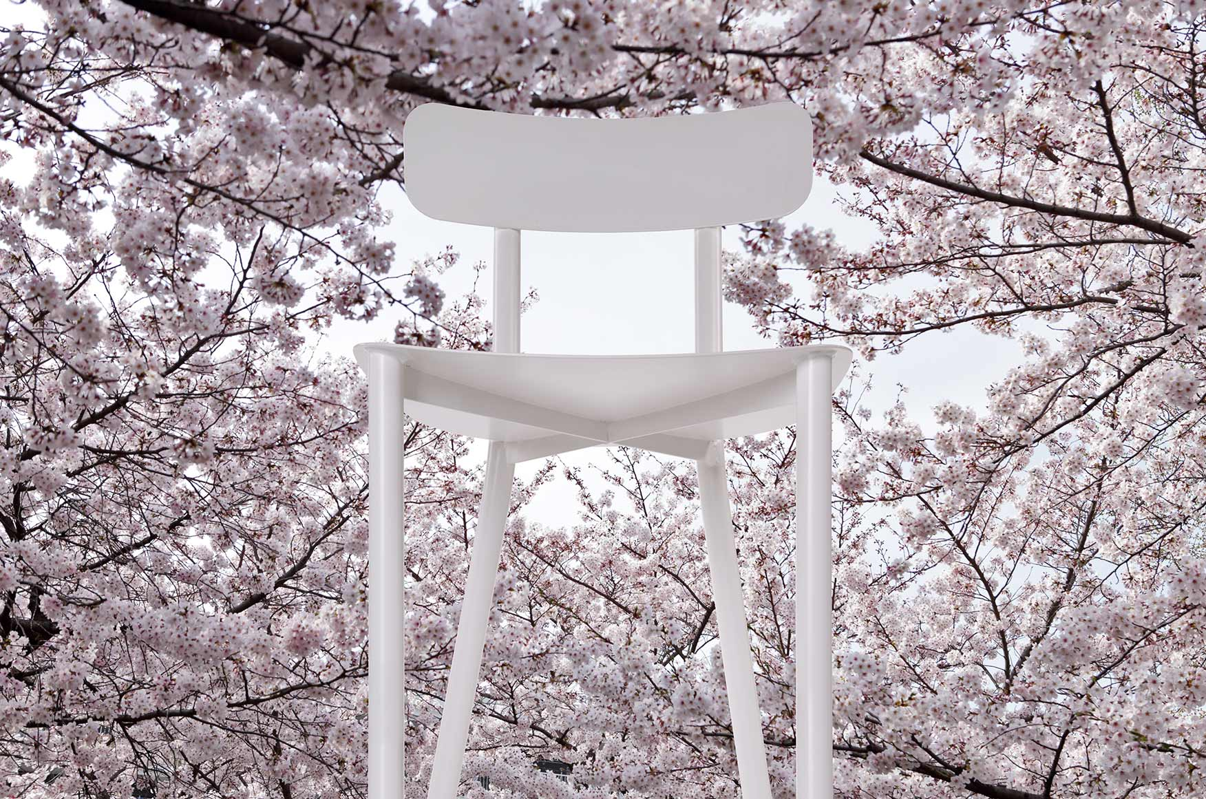 white aluminium outdoor chair