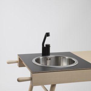 cucina isola design nera semplice