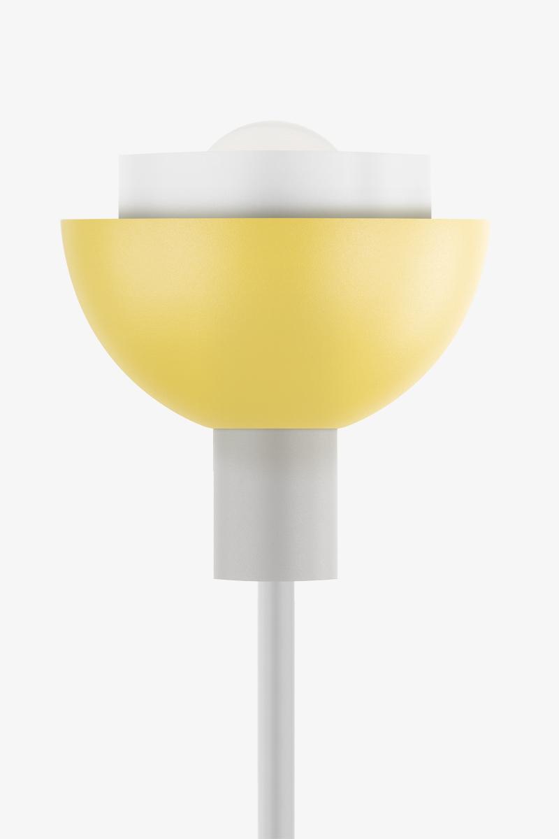 lampada da terra design gialla
