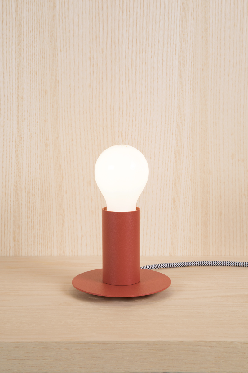 Coral red table lamp without screen
