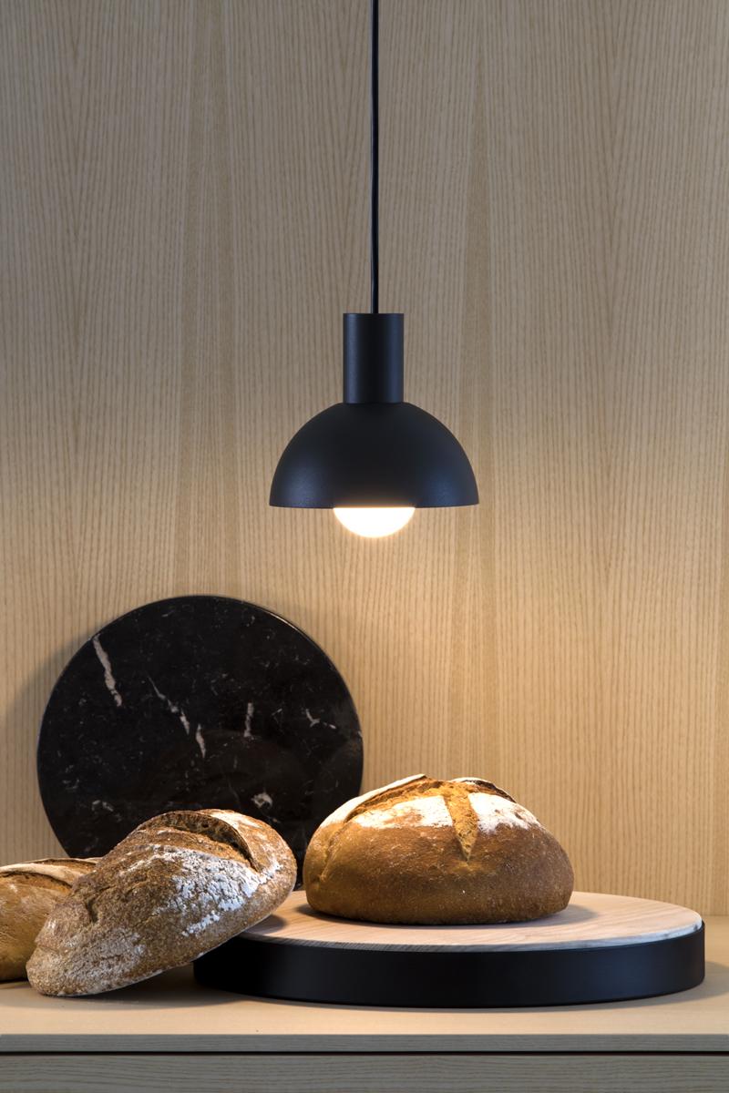 lampada a sospensione cucina nera